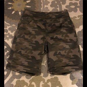 StitchStar pull on Bermuda shorts